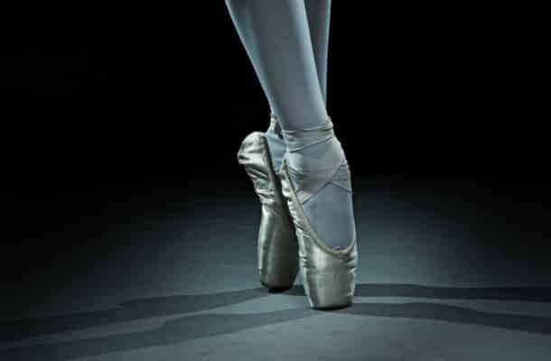 Ballet dancer shoes - gold