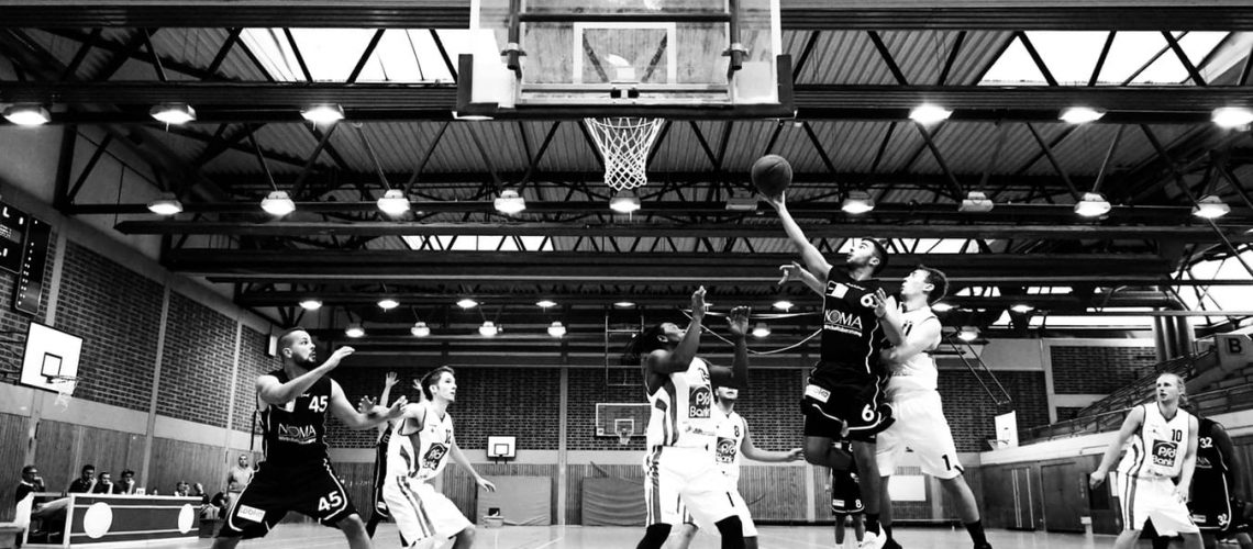 Unsplash - Basketball B&W